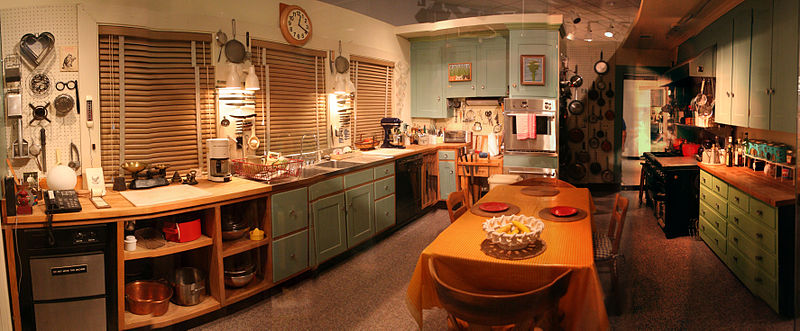 800px-Julie_child_kitchen